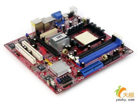 装备DVI接口DFI四头显示主板仅售6xx元