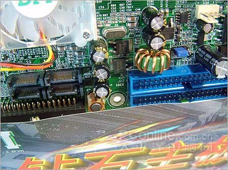超频悍将DFI出场新款AM2主板报价799