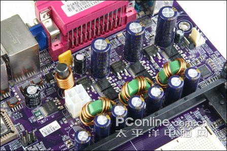 保证了CPU在长时间运行时的稳定性.就连CPU风扇的电源接口也配