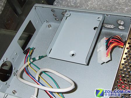 工包超小型机箱硬盘安装位置图片