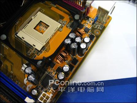 通吃AGP和PCI-E!华硕双通道大板仅499