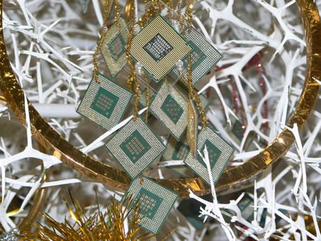 酷睿2为主日本用两千颗CPU装点圣诞树