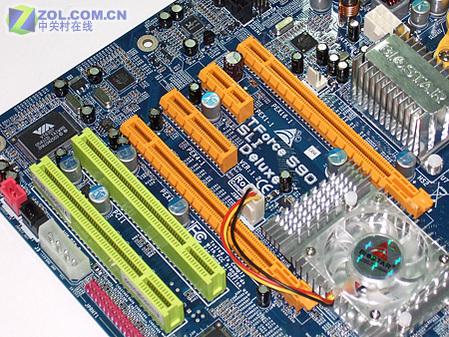 映泰AMD平台顶级NF590SLI主板降至1299元