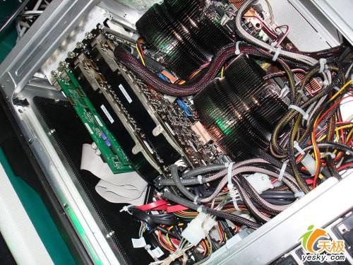体验AMD4X4平台超强性能