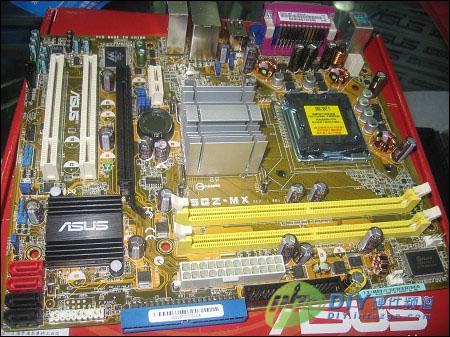 华硕p5gz-mx主板采用intel 945gz ich7芯片组,支持基于lga775的