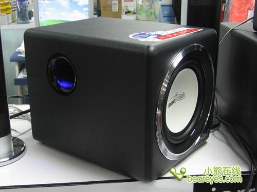 al-902b主机是一个正方体箱体设计,高档的pvc黑色贴皮,纯手工
