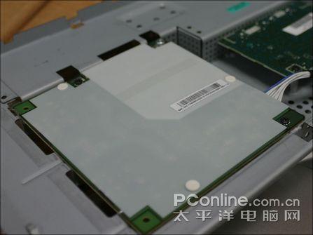 用的什么面板三星宽屏液晶931BW拆解(2)