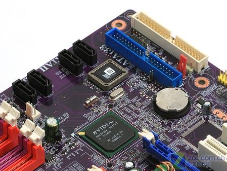 主板南桥芯片及磁盘扩展接口-P965不是唯一 精英四核双卡650i主板实图片