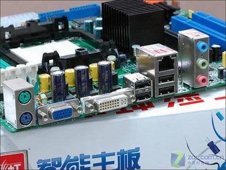 七彩虹C.A69T主板扩展接口-创价格新低 豪华DVI版AMD 690G主板480