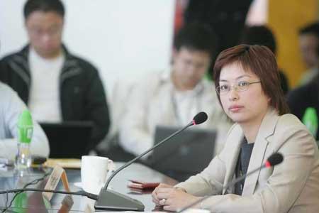 科技时代_图文:新浪市场副总裁沈建明在发布会现场
