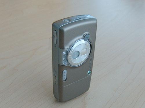钛金音乐手机索爱200万像素W700c评测