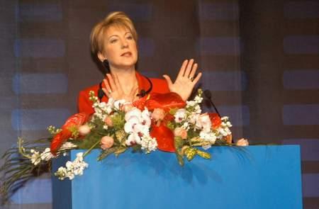 科技时代_惠普前CEO卡莉首次表明心迹:作为女性受歧视