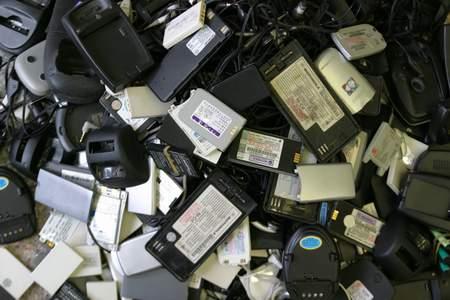 科技时代_圆桌对话:电子废旧垃圾回收立法正紧张进行