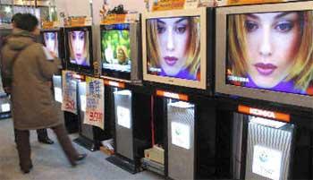 科技时代_平板电视价格差距缩小 等离子液晶市场对决