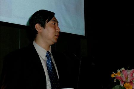 科技时代_图文:易观咨询副总裁张鹰发表演讲