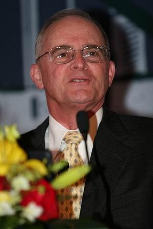 科技时代_图文:惠普全球高级副总裁实验室主任Dick演讲