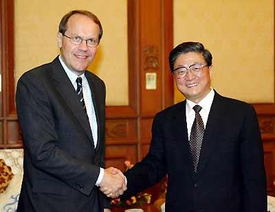 国务院副总理黄菊会见诺基亚ceo奥利拉(图)