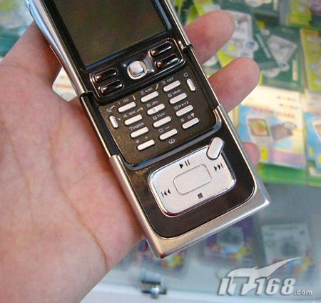 4GB硬盘诺基亚音乐手机N91跌至4899元