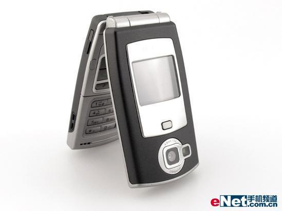 200万像素诺基亚3G折叠机N71详细评测