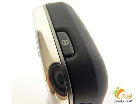 精钢制造的手机诺基亚全能王6233仅2300元