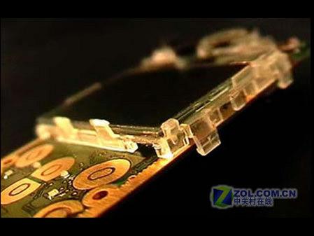 2秒钟自动拆解诺基亚环保自毁手机曝光