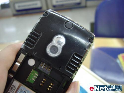 捍卫游戏手机荣誉摩托E680i仅1800