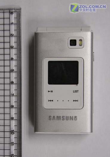 触摸键设计三星新款翻盖音乐手机A720