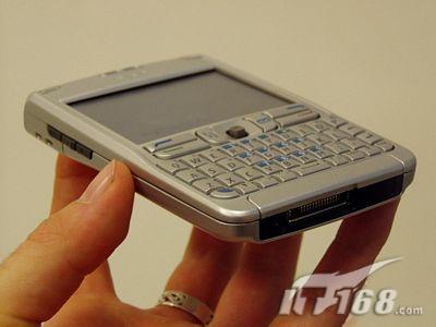 QWERTY键盘诺基亚3G商务机E61降至2650