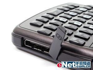 QWERTY键盘设计三星超薄智能机i320评测(2)