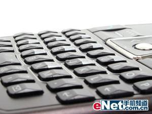 QWERTY键盘设计三星超薄智能机i320评测(4)