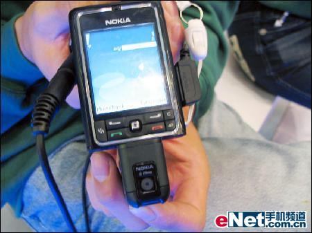 扭腰美人诺基亚音乐手机3250降至2799