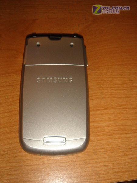 厚度9.9毫米三星新款翻盖手机M610曝光