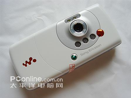 音乐天使索爱白色版W810i售价2580元(2)