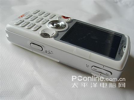 音乐天使索爱白色版W810i售价2580元