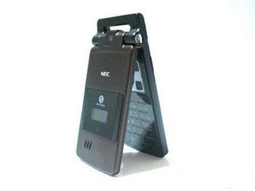 典雅时尚NEC超薄翻盖机NK不足千元