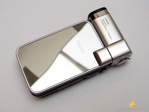 320万像素诺基亚镜面折叠机N93i图赏