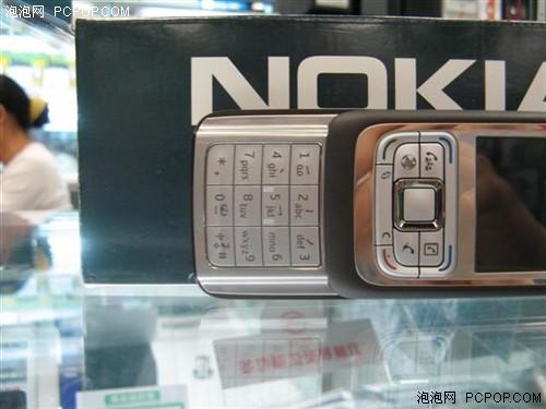 智能商务新元素诺基亚简约滑盖E65到货