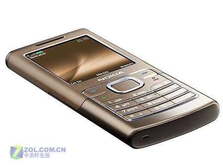 图为诺基亚公司刚刚推出的最新款超薄直板手机6500 classic图片