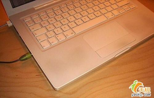 苹果12寸小白本9500降价500元冲击市场