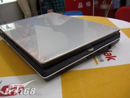 [武汉]八斤重的笔记本?东芝新品真变态