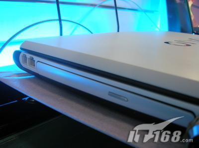 游戏出众索尼FE3系酷睿2新笔记本到