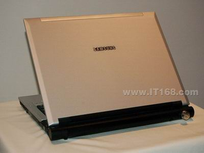 三星时尚外观X11笔记本售价仅8200元