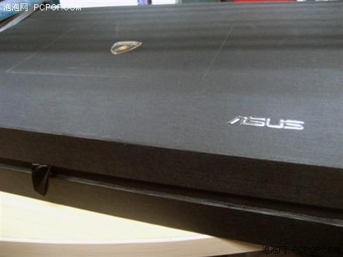 兰博基尼标志,盒子右下角则还是asus的字样.在盒子前方还有高清图片