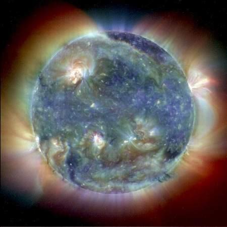 组图:美国两家网站联合评选出十佳太阳照片