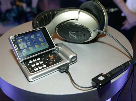 科技时代_图文:诺基亚完全移动生活2006现场展示N92