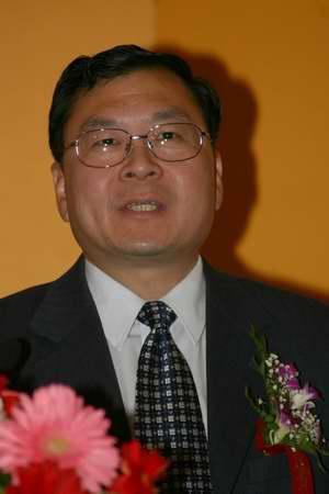 科技时代_图文:信息产业部无线电管理局副局长谢飞波