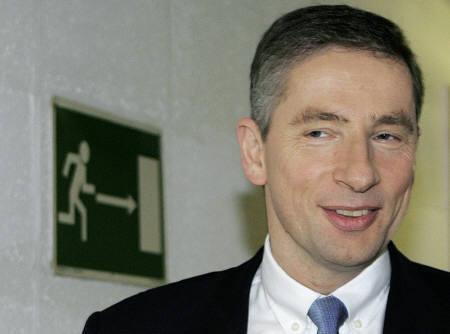 科技时代_西门子腐败丑闻缠身 CEO柯菲德9月离职