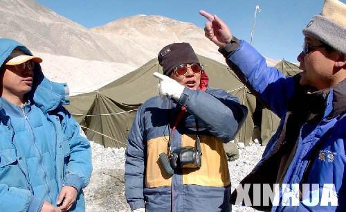 组图:珠峰科考队的六旬老人