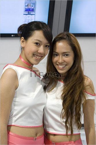 青春无限LG美媚亮相2005新加坡亚洲通信展