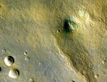 美火星勘测轨道飞行器首次发回火星彩照(图)